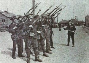 Sailors with Rooss rifles