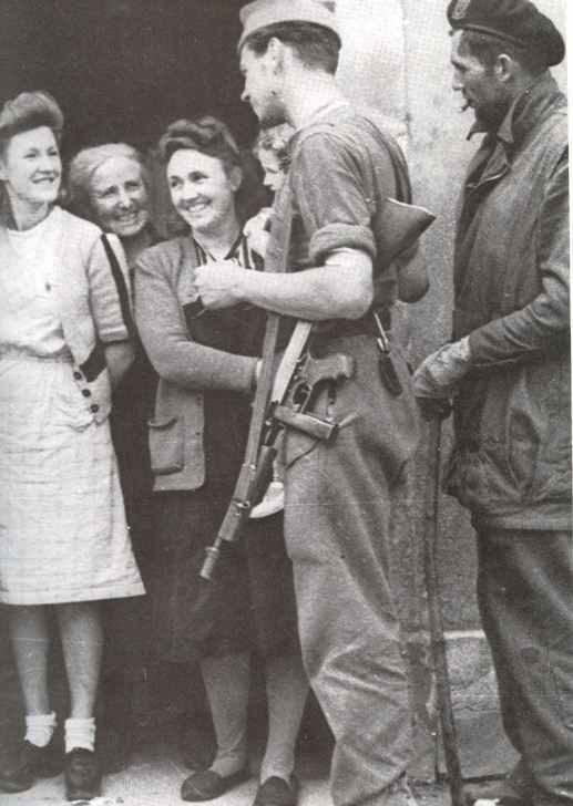 French Commandos armed with Thompson