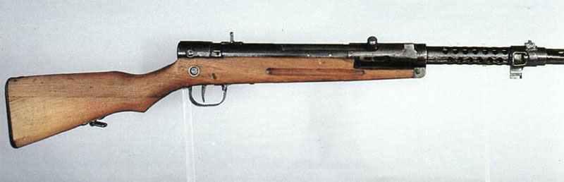 Type 100 > WW2 Weapons