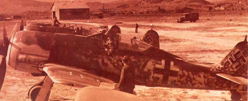 flight of Fw 190A-4 fighters