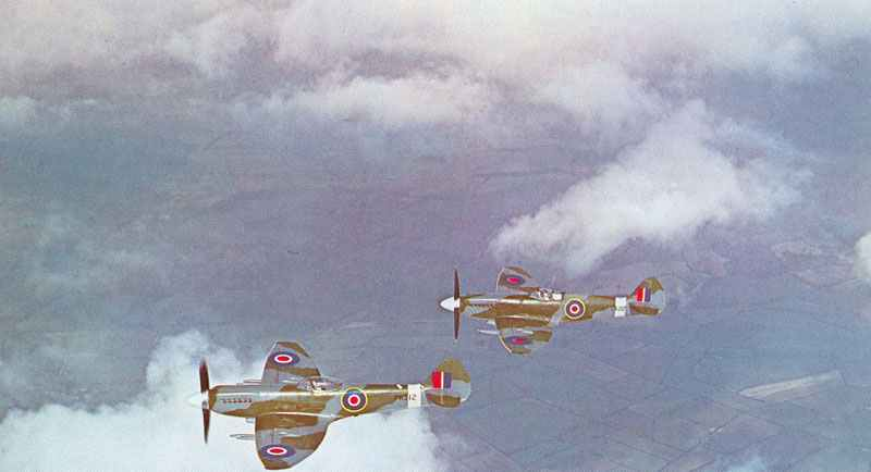Spitfire F21 and F22