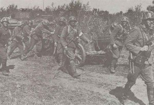 Hungarian troops manhandle a PAK38 50mm anti-tank gun