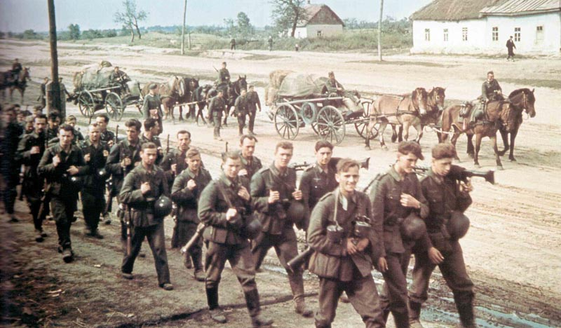 German infantry advances into Russia
