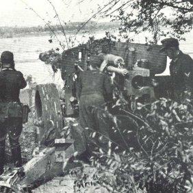 88mm Pak 43 behind Rhine