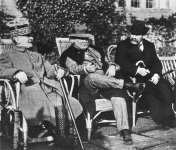 Lloyd George (center) with Marshal Foch and Aristide Briand
