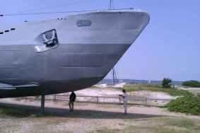 U-boat U-995