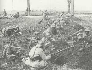 battle group of French and British soldiers