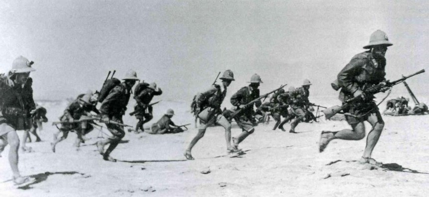 Italian infantry with the old pith helmet