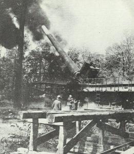 German 38-cm gun in railway carriage