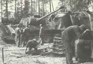 Workshop of a German Panzer division with new Panther tanks