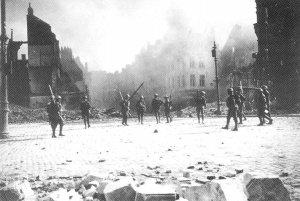Canadian patrol enters Cambrai