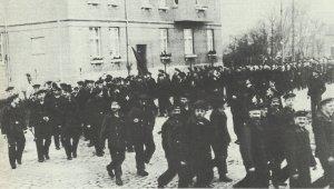 Demonstrating German sailors