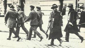 Munich, armed vigilantes