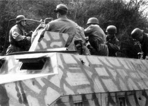 SdKfz 251 of the German 4th Paratrooper Division at Anzio