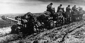 Russian horse artillery in deep mud