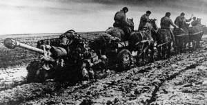Russian horse artillery in deep mud