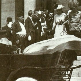 Franz Ferdinand and his wife leaving the town hall