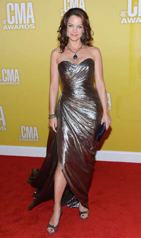 Kimberly Williams-Paisley attends the 46th annual CMA Awards at the Bridgestone Arena on November 1, 2012 in Nashville, Tennessee. Photo: Jason Kempin, Getty Images / 2012 Getty Images