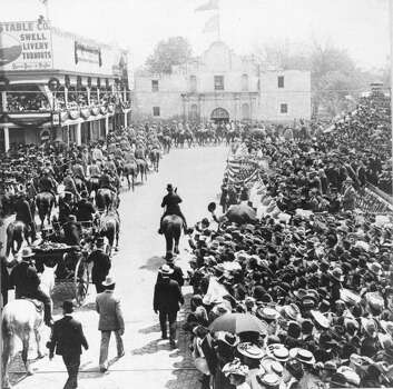 President Theodore Roosevelt riding through the Alamo Plaza, San Antonio, Texas, April 1, 1905. Photo: PhotoQuest, Getty Images / NARA