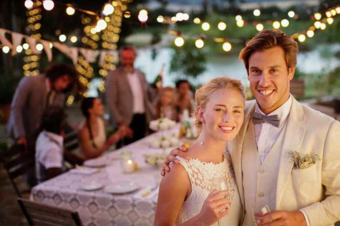 Average Number Of Wedding Guests 181 Istock