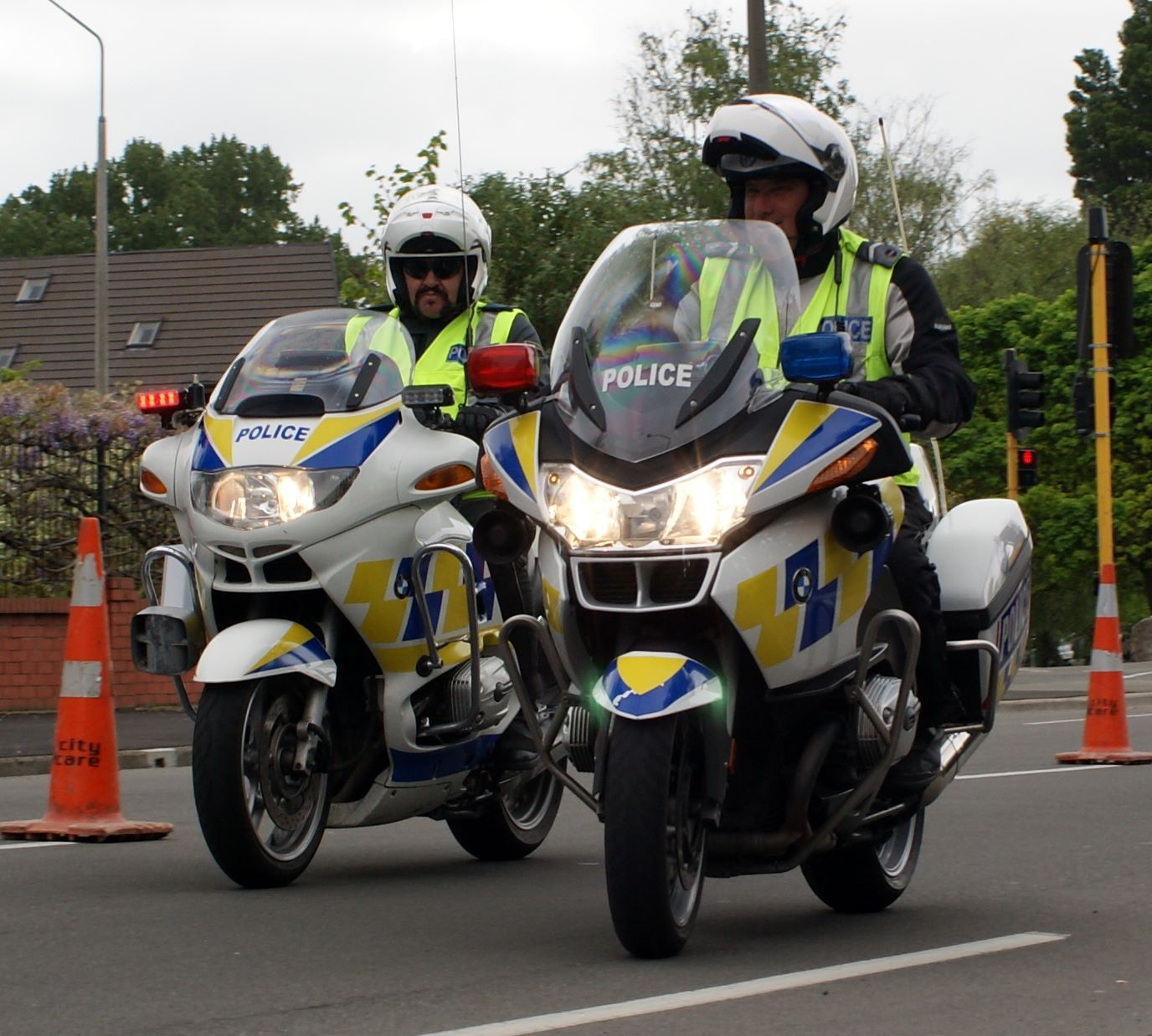 hight resolution of christchurch police bmw r1150rt p and bmw r1200rt p source http www 111emergency co nz