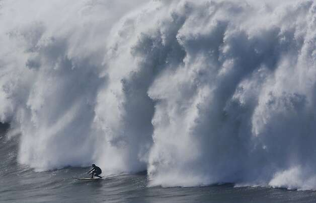 Chasing Mavericks - Mavericks Santa Cruz - Surfing - Big Wave Surfing - 60 foot waves - 50 Waves