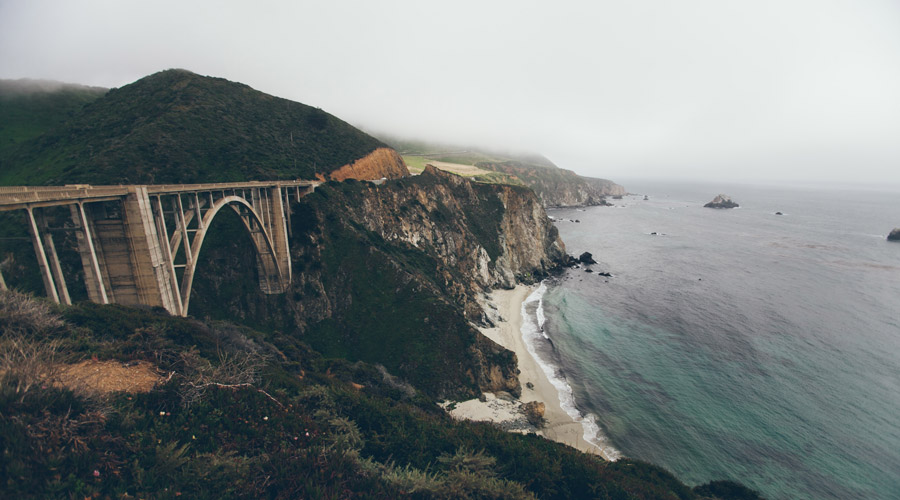 by James Besser @https://unsplash.com/search/bridge?photo=fCCnUAGJrUQ