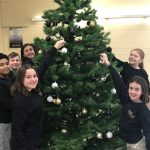 EverGreen Student Council adds Wildcat colors to Christmas Tree