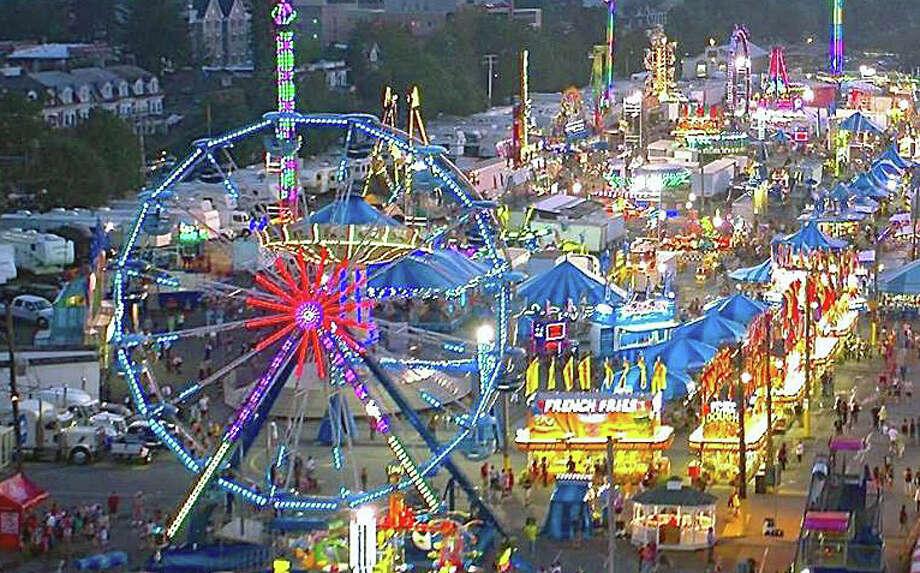 Annual carnival kicks off at Danbury Fair mall  Connecticut Post