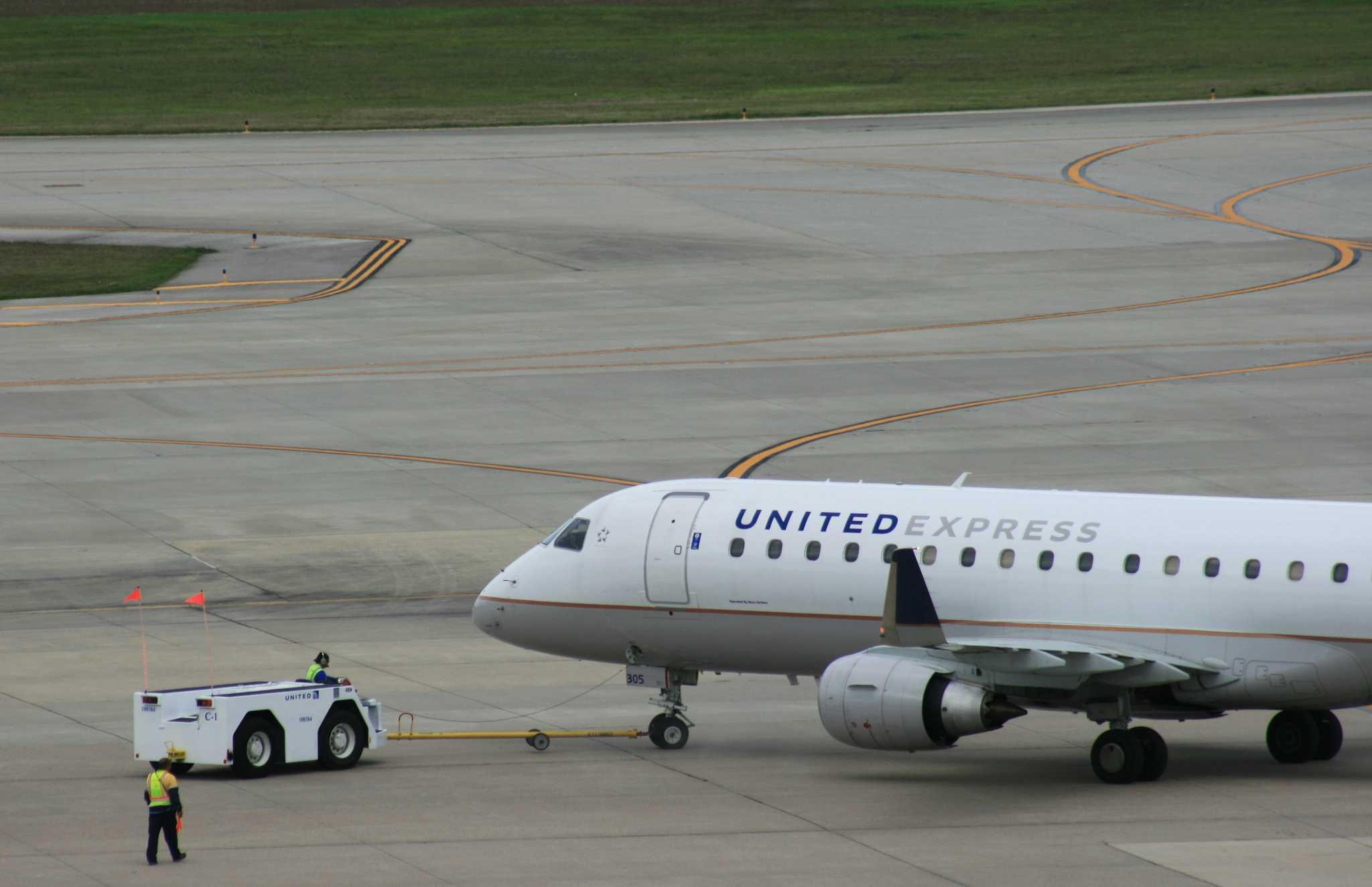 Mesa Airlines flight attendants authorize a strike