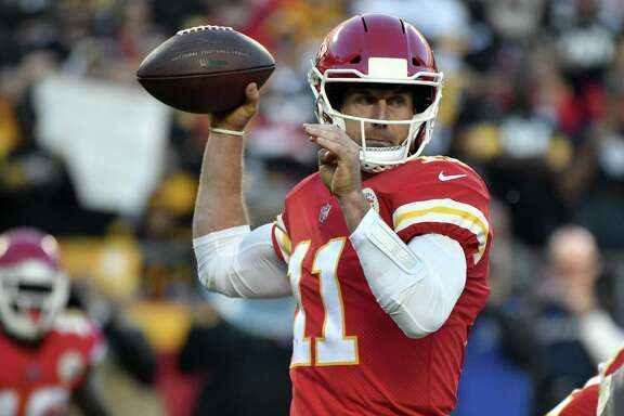 Kansas City Chiefs quarterback Alex Smith (11) throws during the second half of an NFL football game against the Pittsburgh Steelers in Kansas City, Mo., Sunday, Oct. 15, 2017. (AP Photo/Ed Zurga)
