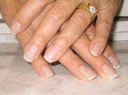 gel nails noelle - jewelry
