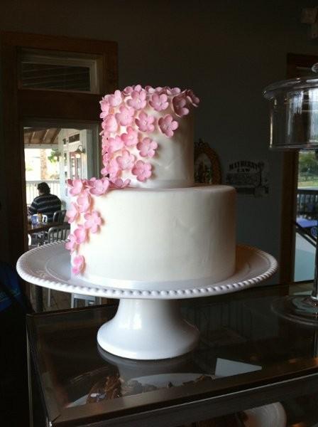 Beaches Cafe and Bakery Wedding Cake Texas  San Antonio