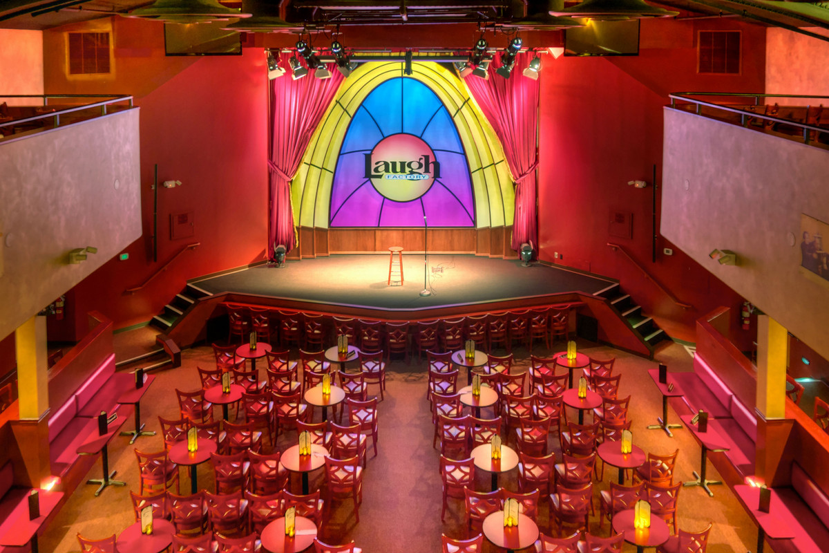 Laugh Factory Chicago Dress Code