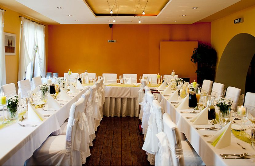 chair covers and sashes near me replacement slings for pvc chairs uniquely me+co. event linen rentals & - sacramento, ca weddingwire