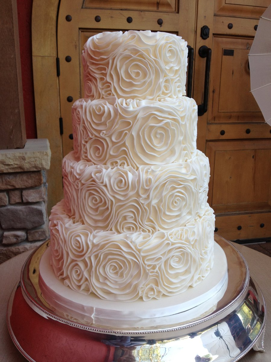 The West Side Bakery Wedding Cake Ohio  Cleveland Erie and surrounding areas