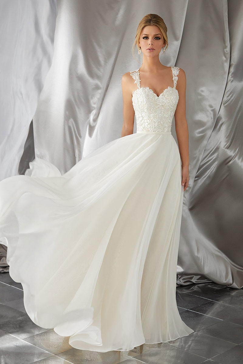 700 and under Wedding Dress Photos 700 and under Wedding Dress Pictures  WeddingWirecom