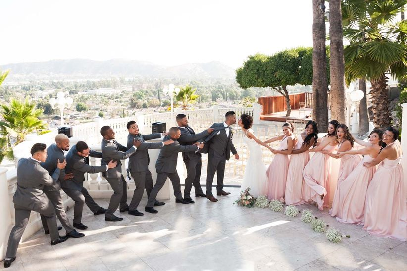 Do Bridesmaids And Groomsmen Give Wedding Gifts?