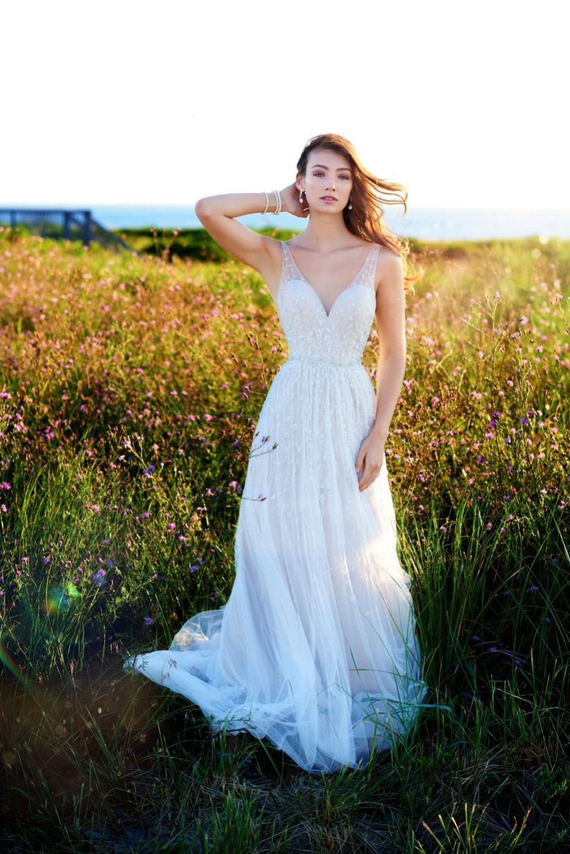 5 Wedding Dress Styles Millennial Brides Will Love