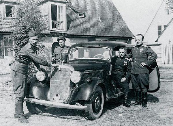 Старшие и высшие офицеры могли «купить» и автомобиль.