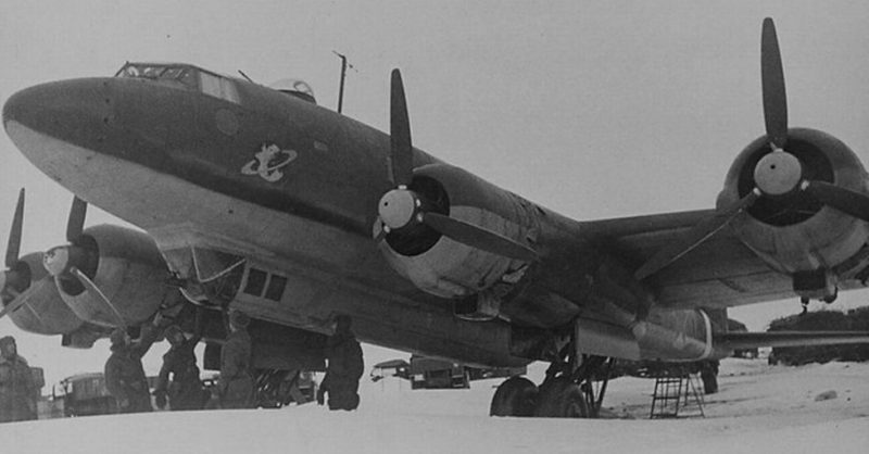 Фокке Фульф-200 — немецкий 4-х моторный самолёт, захваченный Красной Армией в Сталинградском котле.