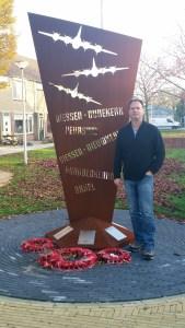 Peter den Tek war memorial (3)