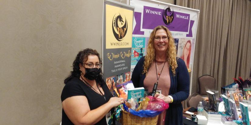Winnie Winkle at Orlando Reads Books 2021