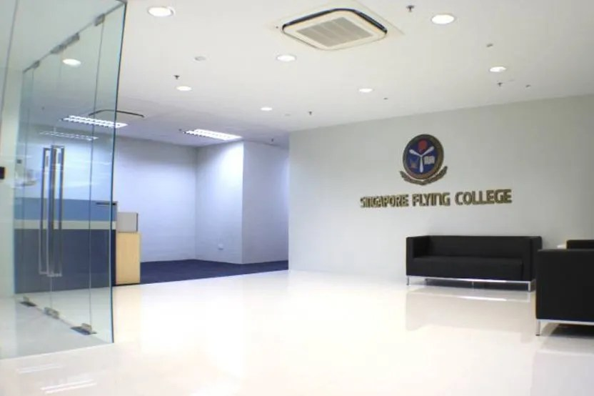 office-sg-flying-college-02