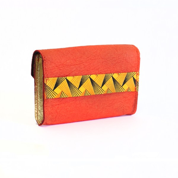 Side view of the WWoW vegan wallet in Golden and Paprika Piñatex made in France