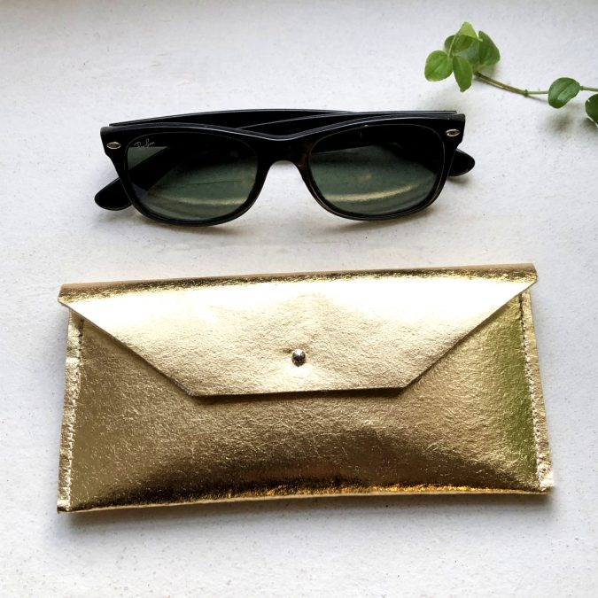 Spectacle case Piñatex® Katia Gold Closed
