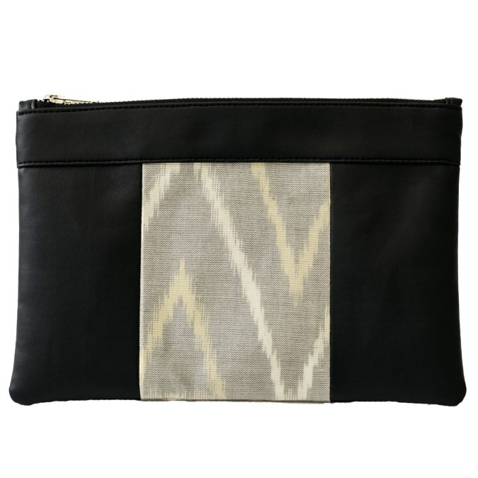 The bag that also makes a pouch, 100% vegan in Black and Rice Grey, made in France for the empowerment of women.