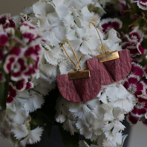 Daisy Piñatex Earrings Pink Mulberry for all the committed women