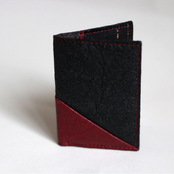 Porte-cartes noir bordeaux Piñatex vegan fabriqué en France