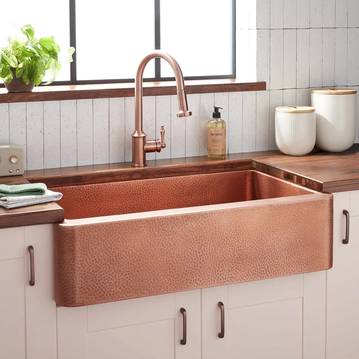 36 fiona hammered copper farmhouse sink